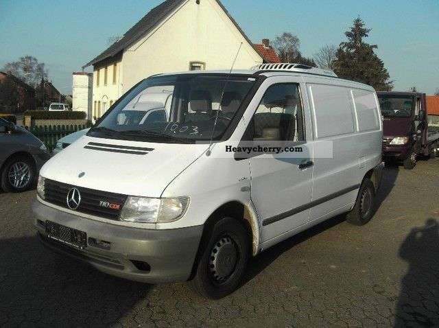 mercedes benz vito 110 cdi panel van cooling 2001 refrigerator box truck photo and specs. Black Bedroom Furniture Sets. Home Design Ideas