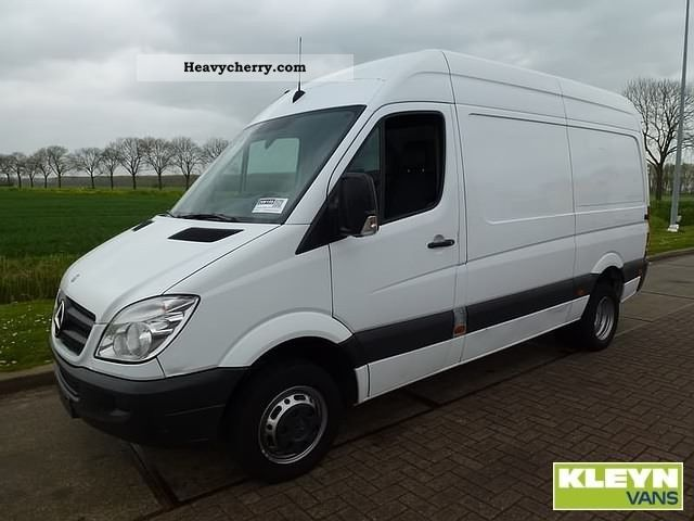 Mercedes benz sprinter 515 cdi 2008 box type delivery van for Mercedes benz gas type