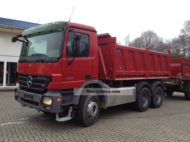 Mercedes benz 3351 2008 tipper truck photo and specs for 2008 mercedes benz truck