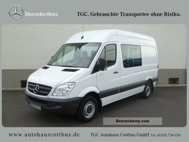 Mercedes benz sprinter 311cdi mixto 2008 estate minibus for 2008 mercedes benz truck