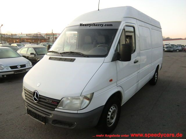 640b8acee3e27f Mercedes-Benz Sprinter 308 CDI 2001 Box-type delivery van - high and ...
