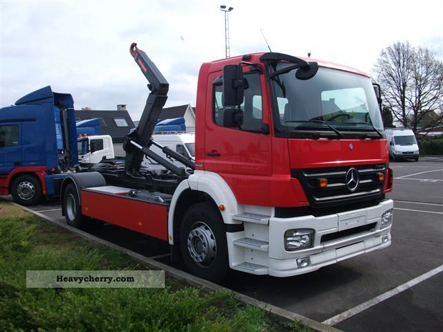 Mercedes benz axor 2008 roll off tipper truck photo and specs for 2008 mercedes benz truck