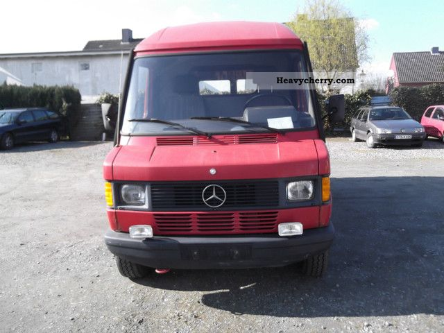 mercedes benz 308 d box truck high long 1990 box type delivery van high and long photo and specs. Black Bedroom Furniture Sets. Home Design Ideas