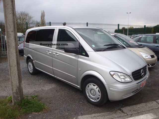 mercedes benz vito 111 cdi automatic 2004 box type delivery van photo and specs. Black Bedroom Furniture Sets. Home Design Ideas