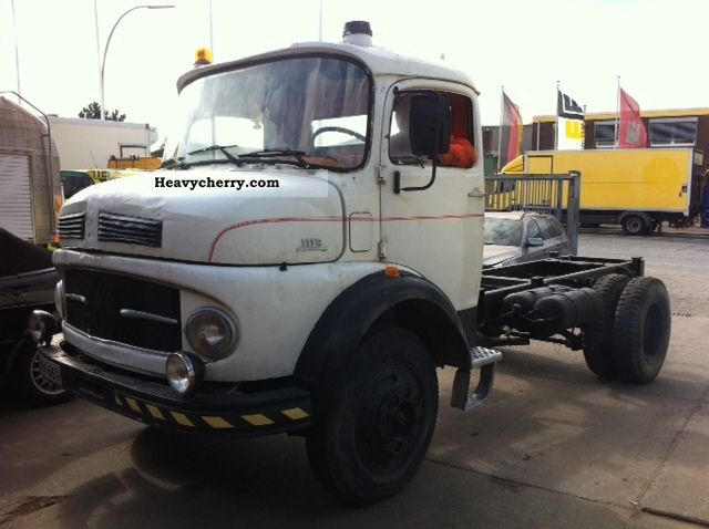 1974 Mercedes-Benz  LP 911 Truck over 7.5t Chassis photo