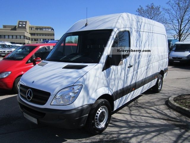 Mercedes benz ka 313 l parktronic 2011 box type delivery for Mercedes benz parktronic