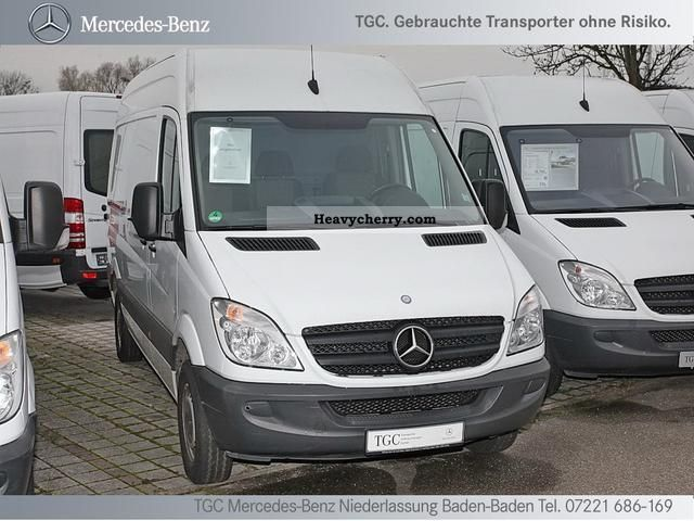 mercedes benz sprinter 213 cdi wheelbase 3665mm 2009 box type delivery van long photo and specs. Black Bedroom Furniture Sets. Home Design Ideas