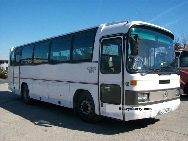 Mercedes benz 4x cztery mercedes 303 for one price 1986 for Mercedes benz coach bus price