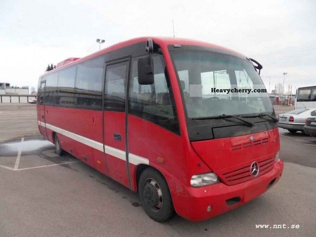 Mercedes benz medio 815 2005 cross country bus photo and specs for What country is mercedes benz from