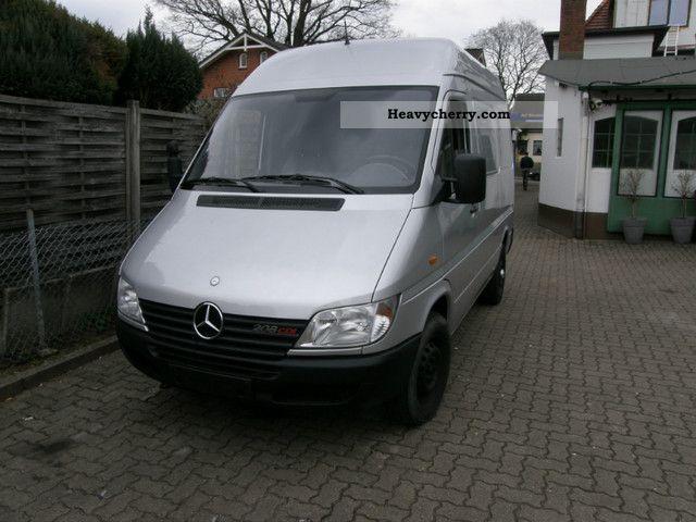 2000 Mercedes-Benz  208 CDI short-medium high Van or truck up to 7.5t Box-type delivery van photo