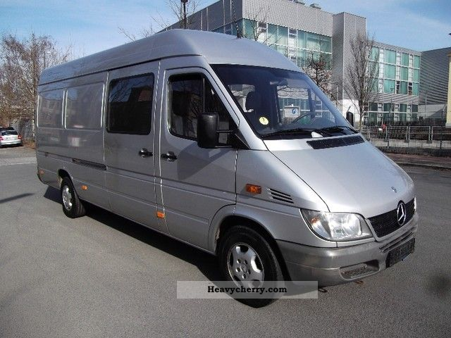 mercedes benz sprinter 313 maxi 2005 box type delivery van high and long photo and specs. Black Bedroom Furniture Sets. Home Design Ideas