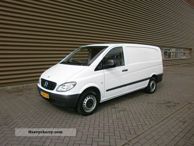 mercedes benz vito 109 cdi 2005 box type delivery van long photo and specs. Black Bedroom Furniture Sets. Home Design Ideas