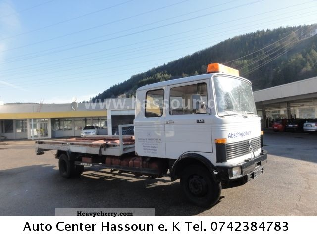 mercedes benz 813 6 seater tow 1977 breakdown truck photo and specs. Black Bedroom Furniture Sets. Home Design Ideas