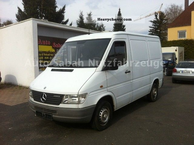 1999 Mercedes-Benz  208 1.Hand with original 154.000km Van or truck up to 7.5t Box-type delivery van photo