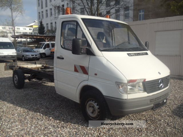 Mercedes benz sprinter 308 d 45000tkm 1995 chassis truck for Mercedes benz sprinter chassis