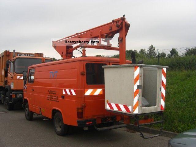 1982 Mercedes-Benz  L608D-KA Van or truck up to 7.5t Hydraulic work platform photo
