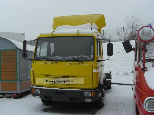 1992 Mercedes-Benz  1324 LS Semi-trailer truck Standard tractor/trailer unit photo