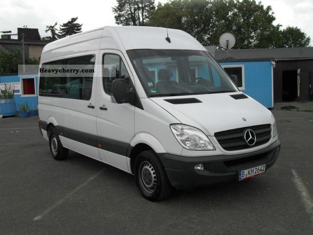 Mercedes benz cdi 311 9 seater 2008 estate minibus up to for Mercedes benz seven seater
