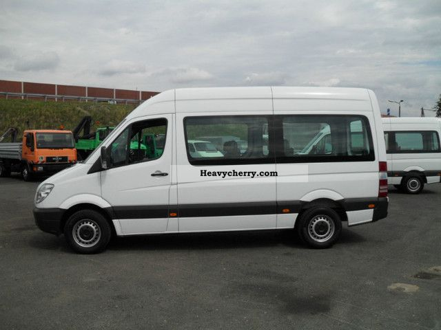Mercedes benz 211 cdi 9 seater air 2008 estate minibus for Mercedes benz seven seater