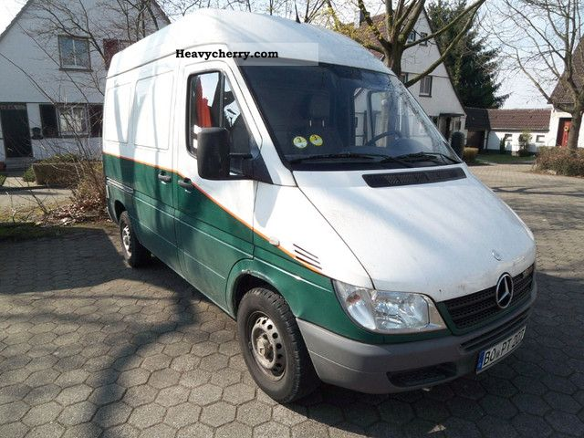 2004 Mercedes-Benz  Sprinter 313 Webasto Truck Air Perm Van or truck up to 7.5t Box-type delivery van - high and long photo