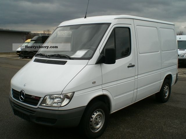 mercedes benz sprinter 211 cdi 2004 box type delivery van. Black Bedroom Furniture Sets. Home Design Ideas