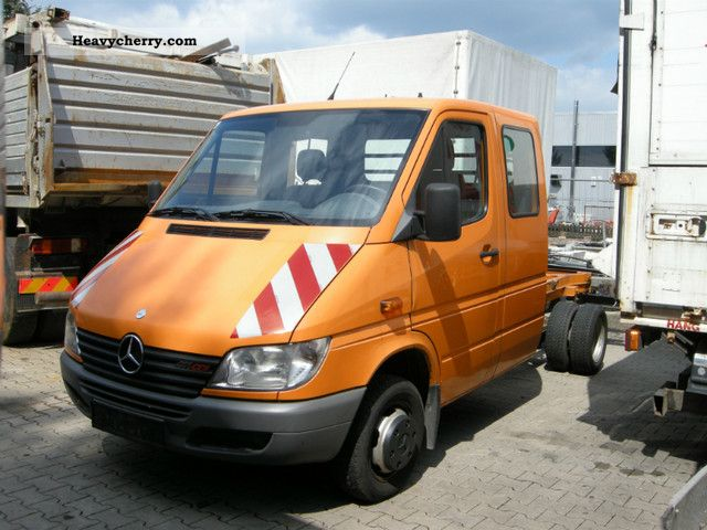 Mercedes benz sprinter 411 cdi chassis 2001 chassis truck for Mercedes benz sprinter chassis