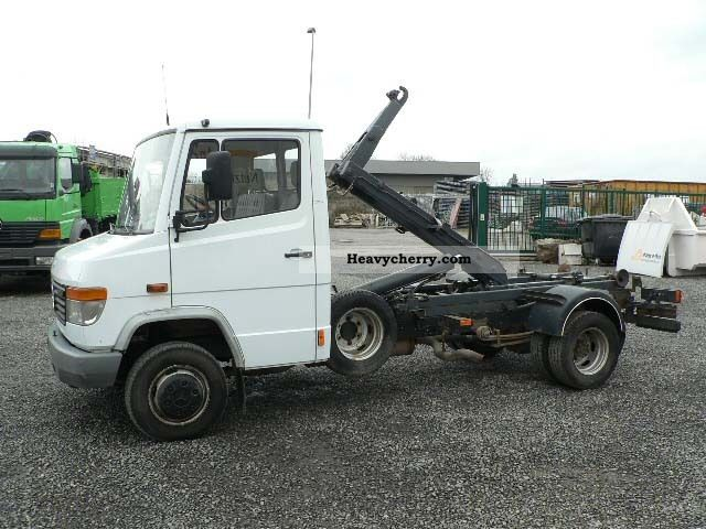 1999 Mercedes-Benz  612 with Hook Hook Container City Van or truck up to 7.5t Roll-off tipper photo