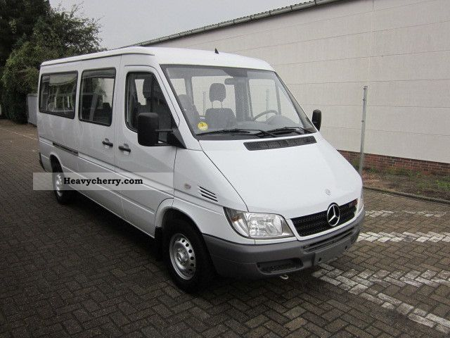 mercedes benz sprinter 211 cdi 8 seats standh ahk. Black Bedroom Furniture Sets. Home Design Ideas