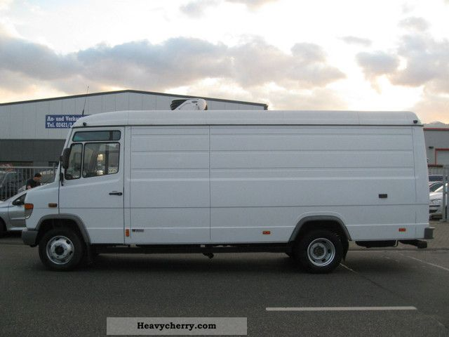 Mercedes benz vario 815 maxi 2 freezing chambers 2002 for Mercedes benz gas chambers