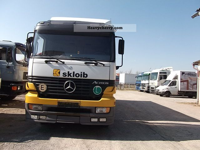 1998 Mercedes-Benz 1831 Actros Truck over 7.5t Box photo 1
