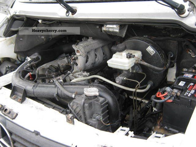 Mercedes benz plane at engine for Mercedes benz sprinter engine