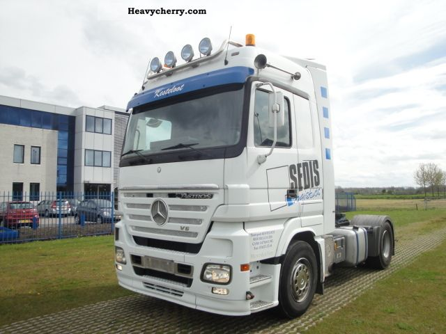 Mercedes benz actros 1946 megaspace 2004 standard tractor for 1946 mercedes benz