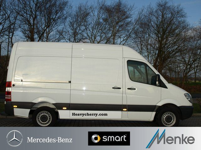 Mercedes benz 216 cdi sprinter rs 3665 high roof trailer for Mercedes benz roof box