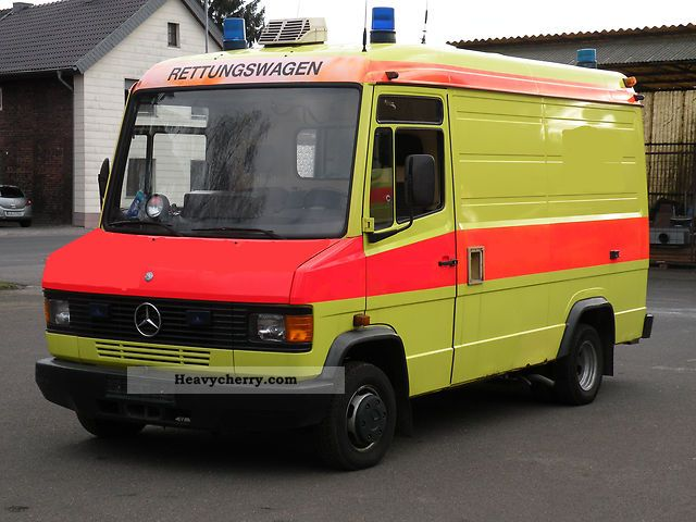 mercedes-benz vario 510 ka 1988 ambulance truck photo and specs