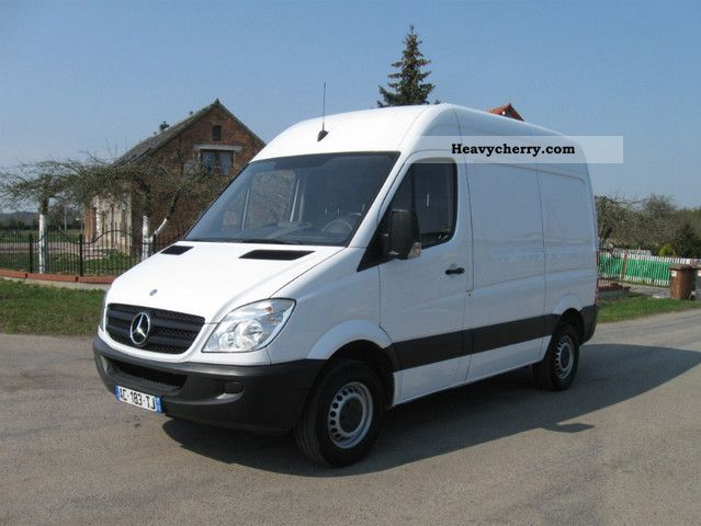 2009 Mercedes-Benz  SPRINTER 906 2.2 CDI 311 CRAFTER Van or truck up to 7.5t Box-type delivery van photo