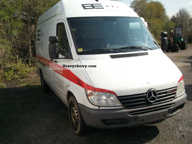 mercedes benz sprinter 213 cdi 2002 box type delivery van high and long photo and specs. Black Bedroom Furniture Sets. Home Design Ideas