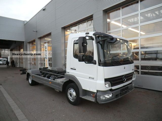 Mercedes benz atego 816 2008 chassis truck photo and specs for 2008 mercedes benz truck
