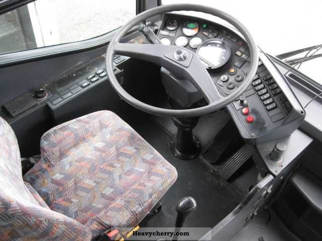 Mercedes benz o 407 1996 cross country bus photo and specs for What country is mercedes benz from