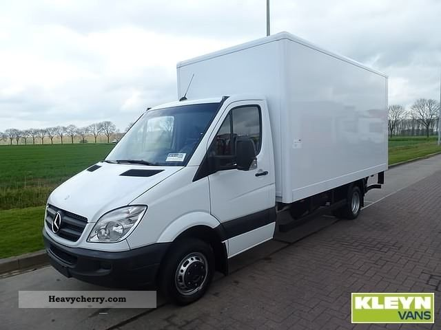 Mercedes benz sprinter 516 cdi 2010 box type delivery van for 2010 mercedes benz sprinter