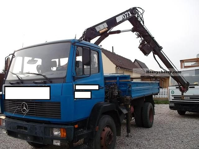 1992 Mercedes-Benz  1314 AK 4x4 truck with Hiab crane Truck over 7.5t Tipper photo