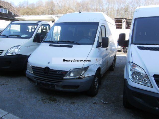 mercedes benz sprinter 213 cdi 2001 box type delivery van high photo and specs. Black Bedroom Furniture Sets. Home Design Ideas