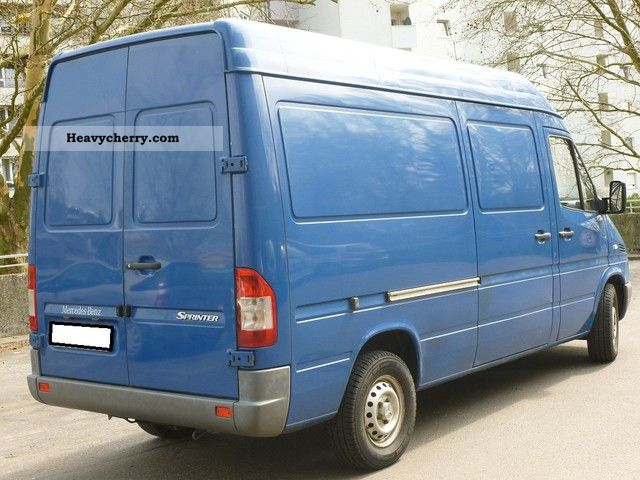 mercedes benz sprinter 313 air 2005 box type delivery van high and long photo and specs. Black Bedroom Furniture Sets. Home Design Ideas