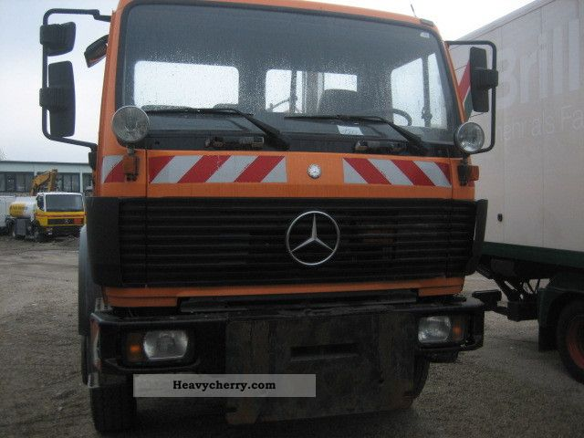 Mercedes benz 1820 4x4 1992 three sided tipper truck photo for Mercedes benz truck 4x4