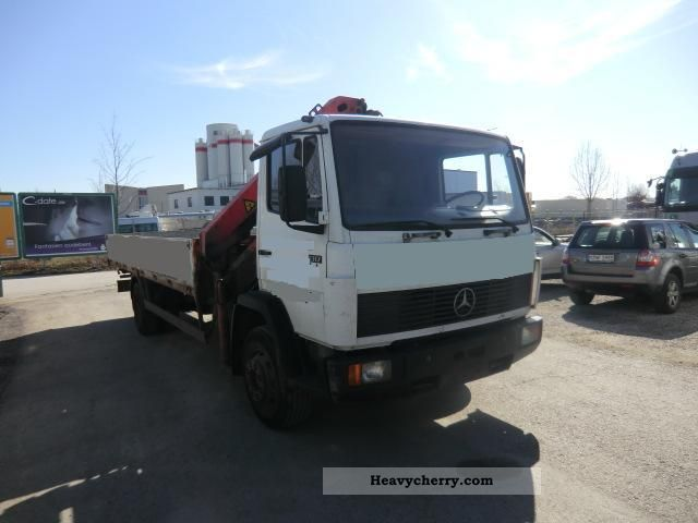 1992 Mercedes-Benz  1317 body + crane Truck over 7.5t Stake body photo