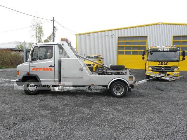 Mercedes-Benz 507 D ADAC Truckservice