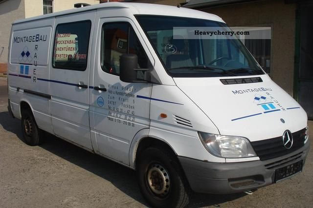 mercedes benz sprinter 213 cdi mixto long 2001 box type delivery van long photo and specs. Black Bedroom Furniture Sets. Home Design Ideas
