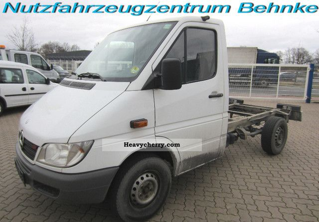 Mercedes benz 313 sprinter chassis 2006 chassis truck for Mercedes benz sprinter chassis