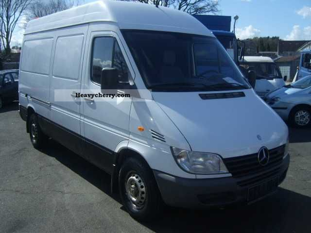 mercedes benz sprinter 313 cdi 2000 box type delivery van high photo and specs. Black Bedroom Furniture Sets. Home Design Ideas
