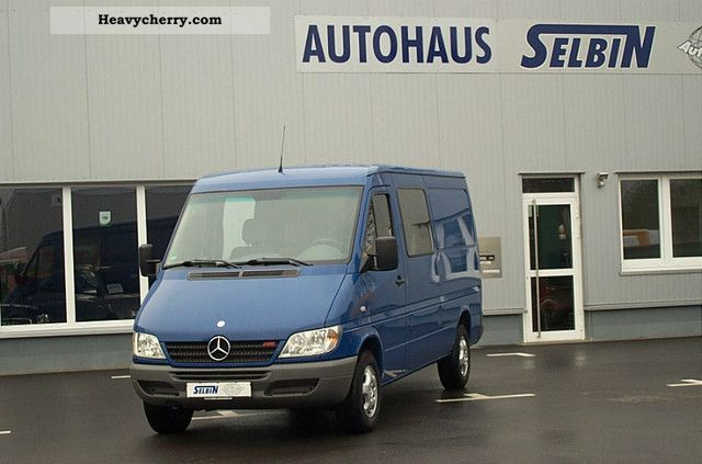 2006 Mercedes-Benz  SPRINTER 208 CDI DPF EURO4 AHK truck 5-SEATER Van or truck up to 7.5t Box-type delivery van - long photo