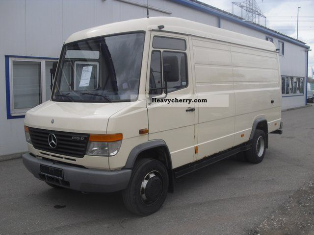 Mercedes benz vario 815 d 3 seater high roof box ahk mouth for Mercedes benz roof box